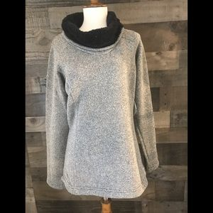 COLUMBIA GRAY SWEATER W/ FLEECE LINED BLACK COWL